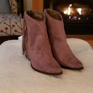 Tan suede booties with fringe size 6